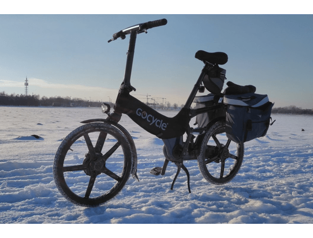 Gocycle All Seasons rider review showing the Gocycle in winter snowy conditions.
