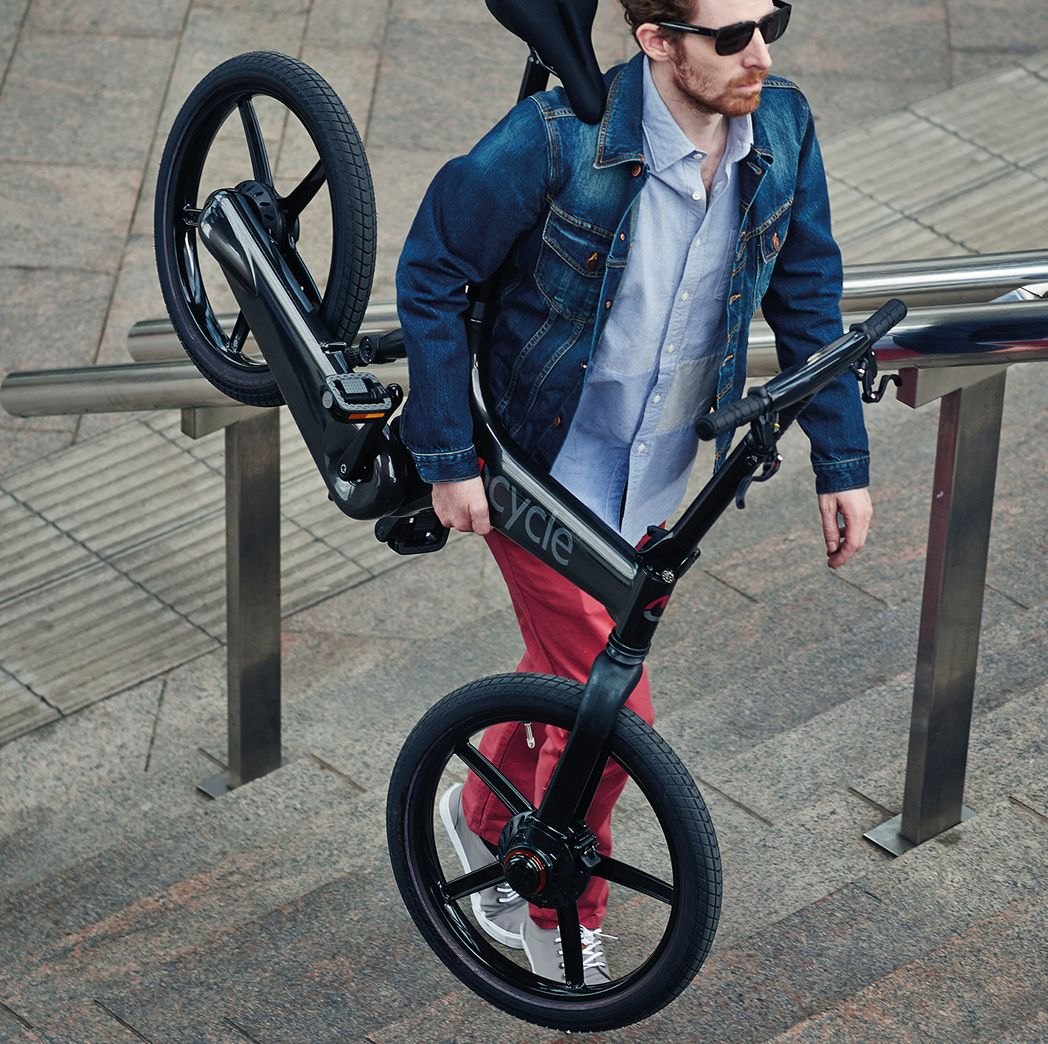 The light weight and balanced design of the Gocycle means that carrying it up stairs is possible and easy.