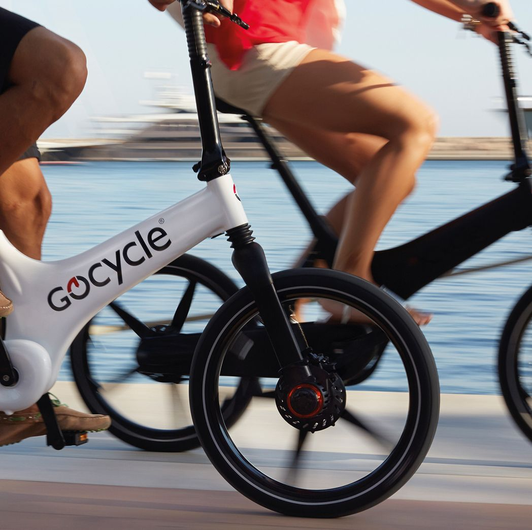 The Gocycle Vgonomic frame design means different sized people can ride comfortably together.
